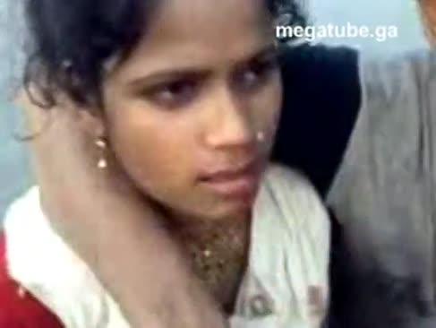 North indian brioșe sat haryana nimfă presat în aer liber