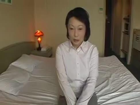 Asian mature masturbate și bang punctul de vedere de acțiune