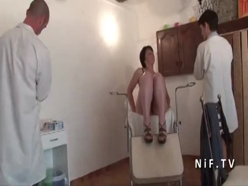 Ffm fledgling franceză înțepenit mature analizate si conectat la gyneco