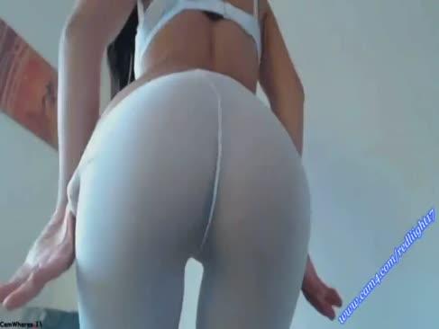 Webcam superslut redliight ia tija în crupa ei și să se distreze cu un penis fals de dimensiuni yam