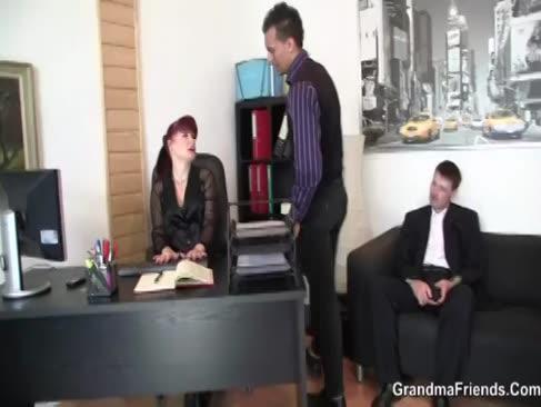 2 tipi lacrimă mami de birou toridă
