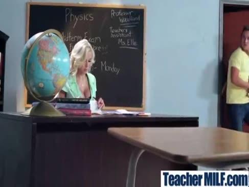 Nina elle mare-titted profesor fierbinte cu juggs groase bucura-bang în clasa 27-mov