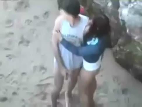 Sodomi gf lui în plaja