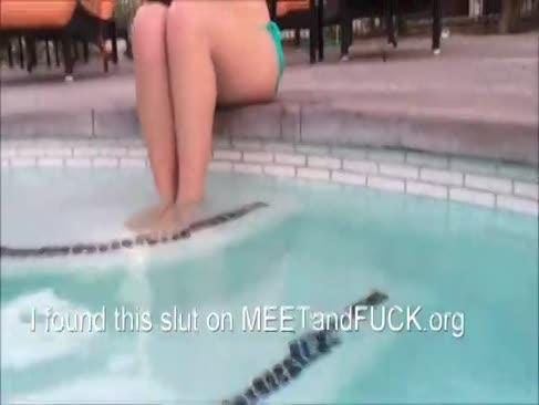 Teen devine pulverizat după duș