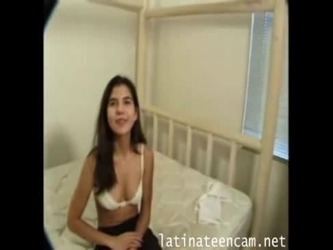 Blană acoperite adolescent aspect tineresc și devine latina un fir cu plumb facial-latinateencam.net