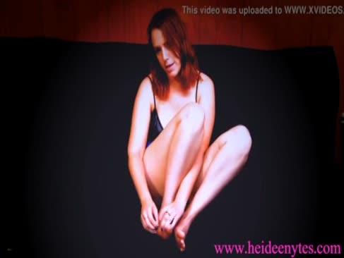 Alisha adams joacă cu ea picioare remorcă super-sexy