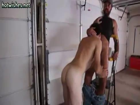 Malahii colegi suge si se masturbeaza sculele lor