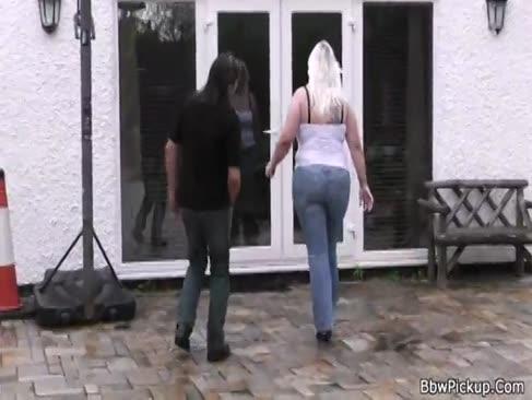 Blonde plumper plimbare cocoș străin