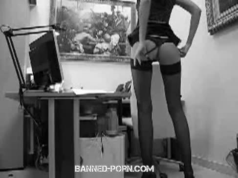 Asistentul pulverizat de șeful ei foarte tare